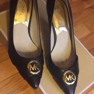 Michael Kors pumps with box like new